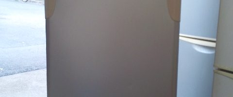 4,000円で東芝製の冷蔵庫(GR-T14T)を回収リユース|東京都豊島区にて家電の引き取り