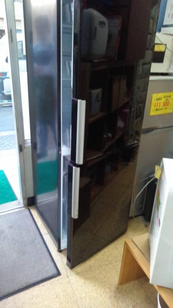 アクア製の冷蔵庫(AQR-D28C)