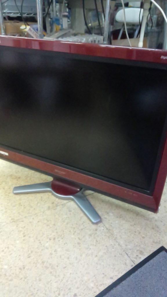 シャープ製の液晶テレビ(LC-32D30)
