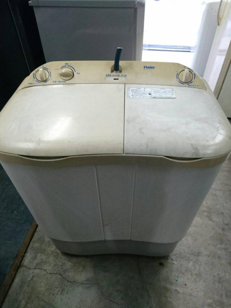 ハイアール製の2層式洗濯機のフタ