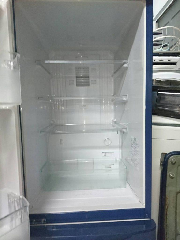 冷蔵庫の室内あ