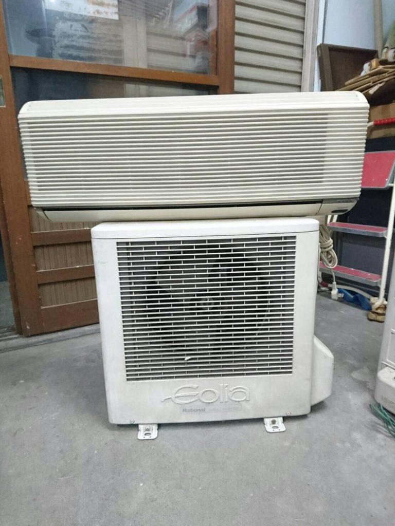 ナショナル製のルームエアコン(CS-G25V-W)
