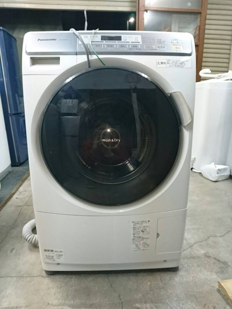 パナソニック製のドラム式洗濯乾燥機(NA-VD100L)
