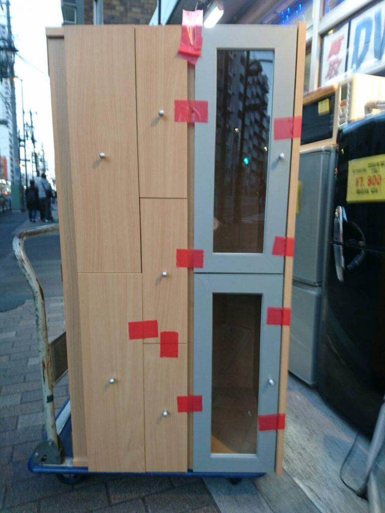 木製の収納ボックスの正面