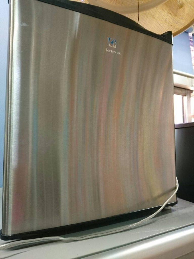 エレクトロラックスの小型冷蔵庫(1ドア)