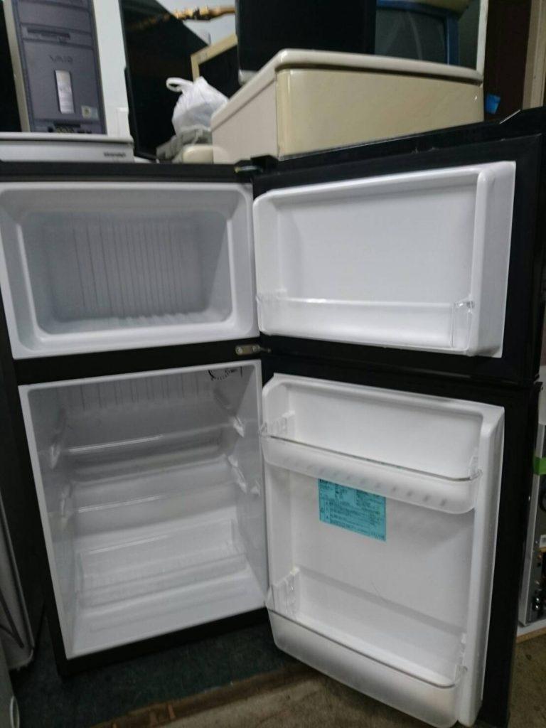 ハイアール製の冷蔵庫の室内