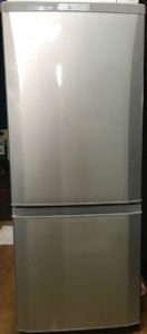 三菱製の2ドア冷蔵庫