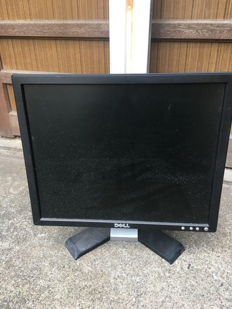デル製のデスクトップパソコン
