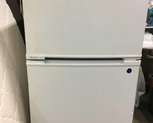 モリタ製の2ドア冷蔵庫