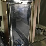 ホシザキのリーチイン冷蔵ショーケース