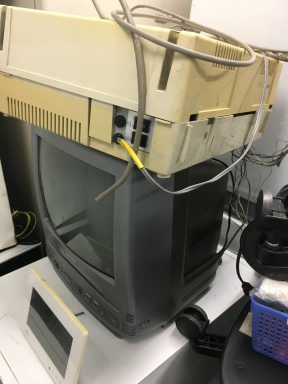 ブラウン管テレビなどの家電品