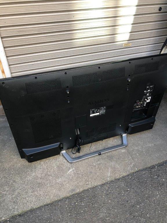 液晶テレビの背面