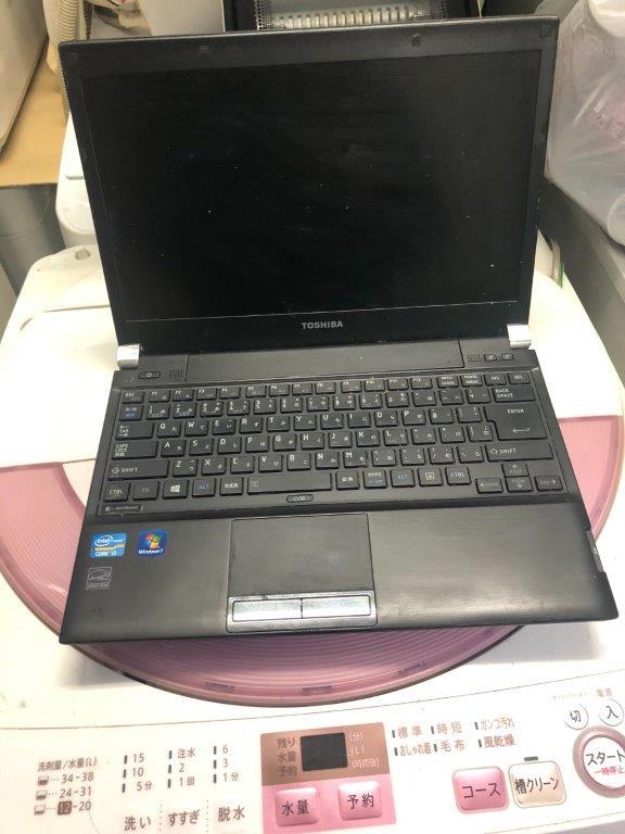 東芝製のノートパソコン