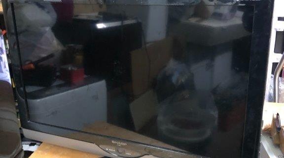シャープ製の液晶テレビ