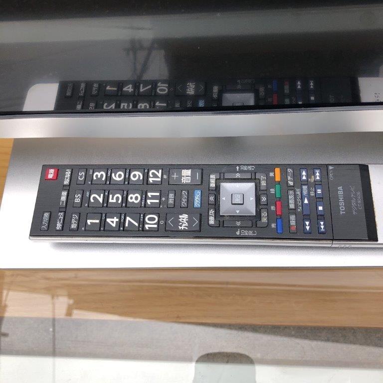液晶テレビのリモコン