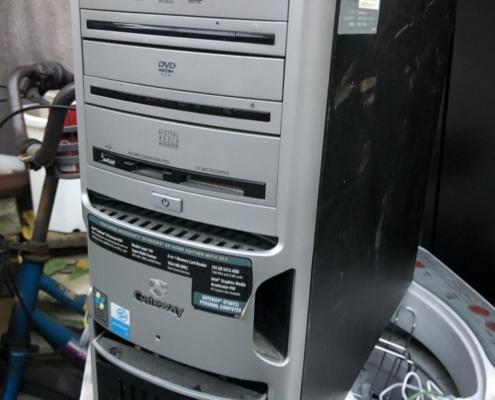 デスクトップ型パソコン(ゲートウェイ)