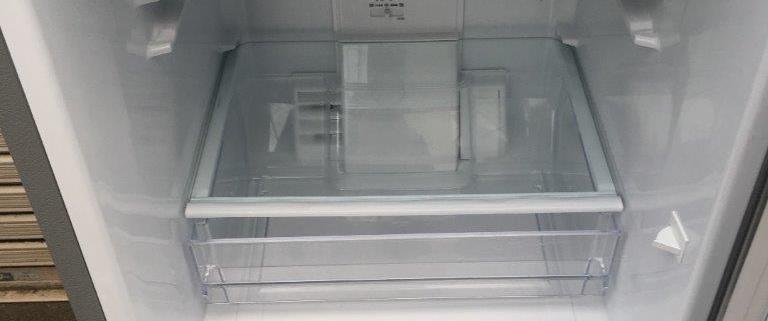 壊れた冷蔵庫