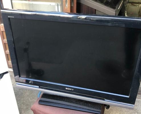 カンデラ製の液晶テレビ