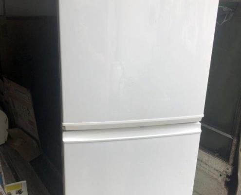 冷蔵庫(シャープ)